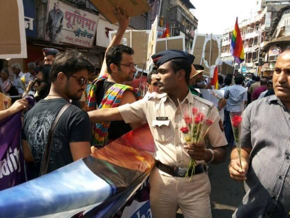 Pune Police 1483296_560621710682585_175786681_n